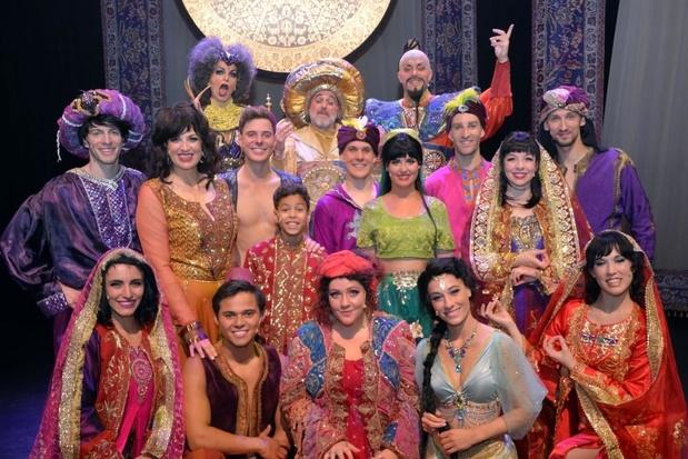 Aladdin de Musical, zelfs met een écht vliegend tapijt