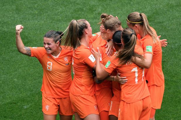 WK Vrouwen: Nederland bereikt na zege tegen Kameroen achtste finales, ook Canada stoot door