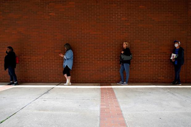 Aanvragen voor werkloosheidsuitkering in VS dalen onder de 1 miljoen
