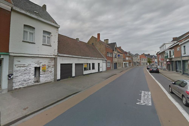 Groot project met meer appartementen en garageboxen in de Eernegemse dorpskern