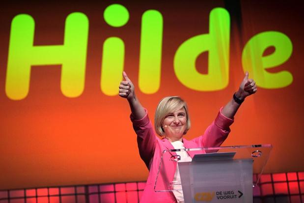 LIVE - Resultaten Vlaams parlement: Hilde Crevits en CD&V ontgoochelen