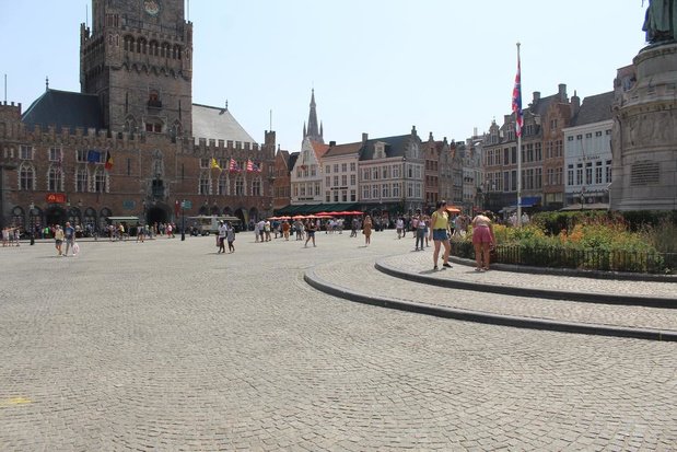"""Loden hitte schrikt ook Brugse toeristen af: """"We moeten het hebben van onze vaste klanten"""""""
