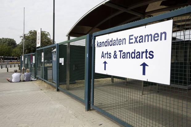 Discrimination : un médecin et des étudiants flamands saisissent la justice contre les quotas