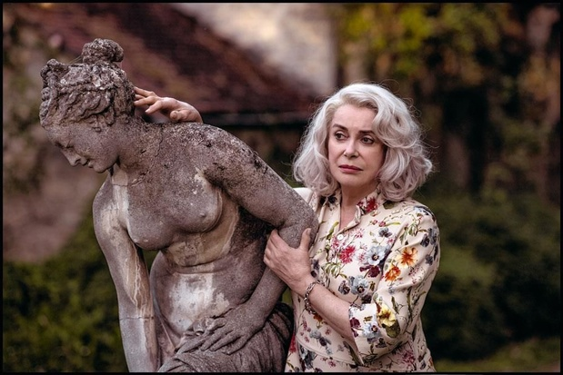 """""""Je savais que ça amuserait Catherine Deneuve de jouer une femme qui perd un peu la tête"""""""