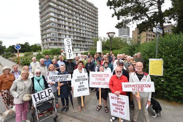 Buurtbewoners protesteren tegen komst nieuw flatgebouw op Hazegras in Oostende