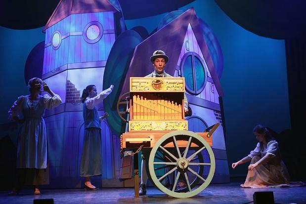 Jeroen Logghe uit Diksmuide speelt Adriaan de orgelman in 'Roodkapje, de musical'