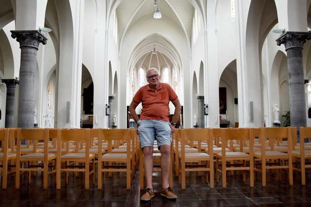 Dronebeelden bieden exclusieve kijk op Lauwse Sint-Bavokerk