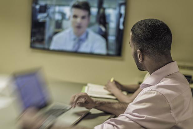 'Draag een broek' en zeven andere regels voor videoconferencing