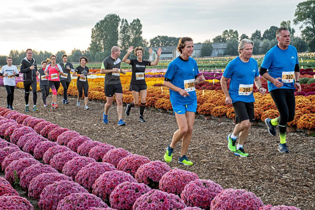 Eerste Mum Run in Oostnieuwkerke telt 500 deelnemers