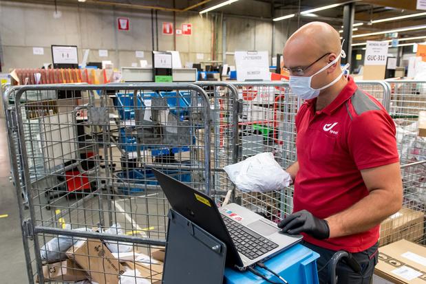 Bpost levert niet langer alle pakjes aan huis: 'Dit is niet ernstig meer' (Comeos)