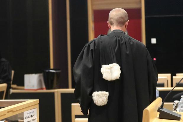 Orde van Vlaamse Balies vraagt aandacht voor recht op advocaat