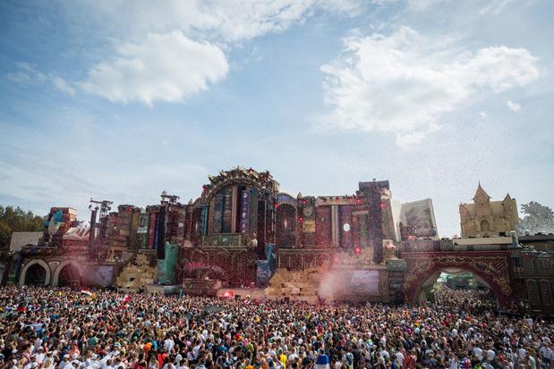 Politie betrapt 24 drugsdealers tijdens eerste festivalweekend Tomorrowland