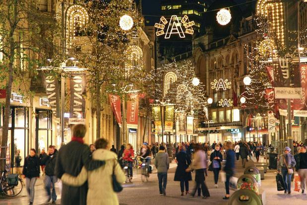 """""""Les achats de Noël profitent de moins en moins au commerce belge"""""""