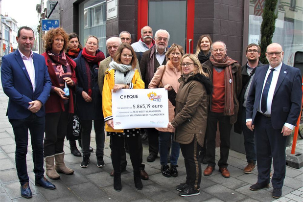 Vrijzinnige gemeenschap en Willemsfonds schenken samen 10.000 euro aan Tejo