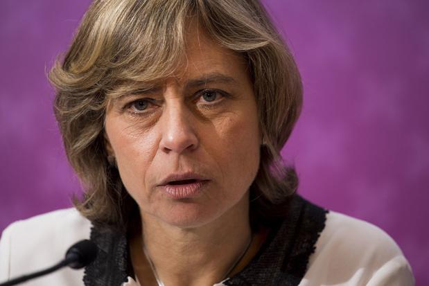 Nederlandse beleggers vragen uitstel benoeming Dominique Leroy bij KPN