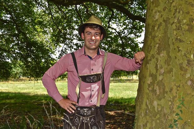Maxim Declercq organiseert tweede Oktoberfest en brengt lederhosen naar de Leieboorden