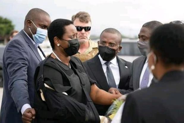 Gewonde weduwe van vermoorde president Haïti weer thuis