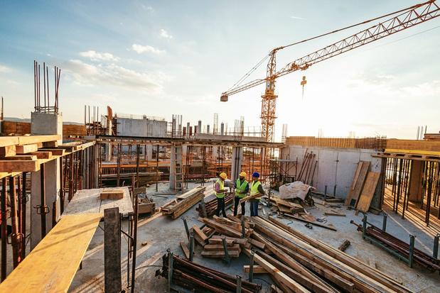 Overheid knoeit met grote bouwprojecten