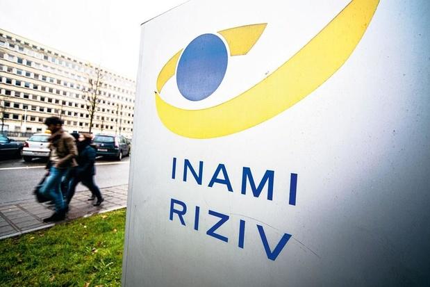 L'Inami assure que les centres de tri des patients seront soutenus financièrement à partir de lundi