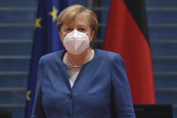 Bondskanselier Merkel belooft snellere coronavaccinatie in Duitsland