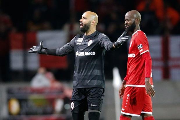 Antwerp riskeert boete van 25.000 euro voor stilgelegde wedstrijd tegen Standard