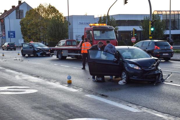 Hinder tijdens ochtendspits in Menen door verkeersongeval