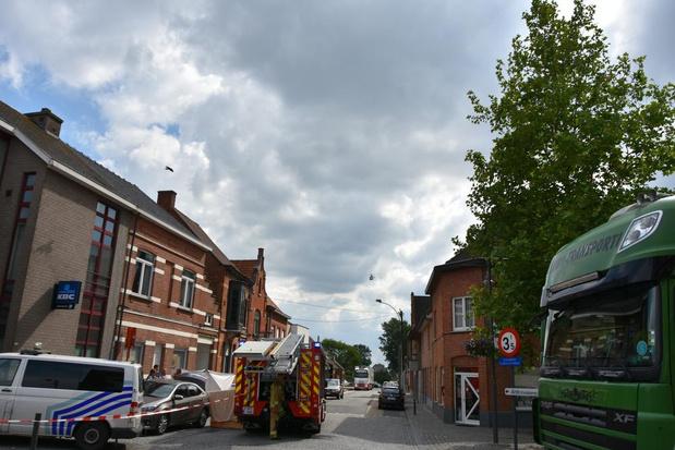 Bejaarde dame wordt onwel in wagen in Zwevezele en overlijdt ter plaatse