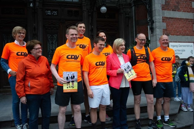 VIDEO - Burgemeester Wevelgem klaar voor looptocht van 100 kilometer naar Brussel