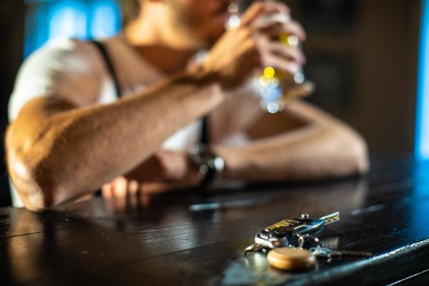 Eindejaarsfeesten: 9 op de 10 Belgen nemen hun voorzorgen in verband met alcohol achter het stuur
