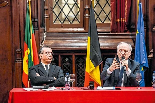 Hubert Védrine à l'Hôtel de Ville de Bruxelles