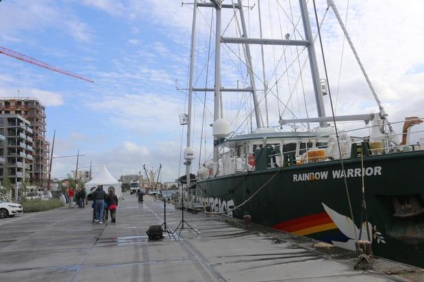 Rainbow Warrior aangemeerd in Oostende