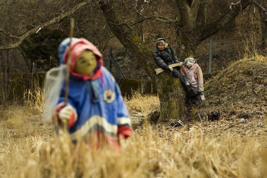 In beeld: poppen vervangen mensen in leeggelopen Japans dorp