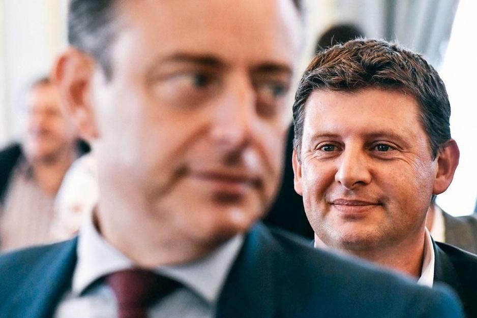 De redder van SP.A: helpt Bart De Wever de socialisten uit het slop?