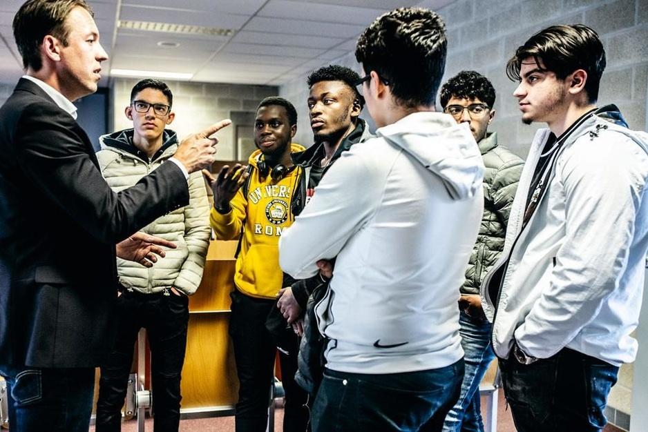 Waarom scoort Vlaams Belang zo goed bij jongeren?