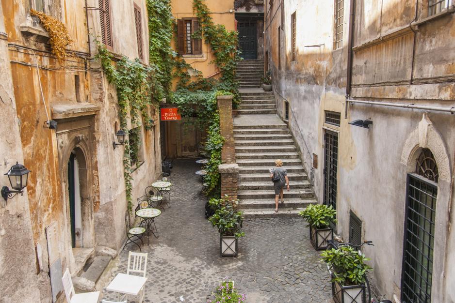 Elf leuke straten in Rome om doorheen te wandelen