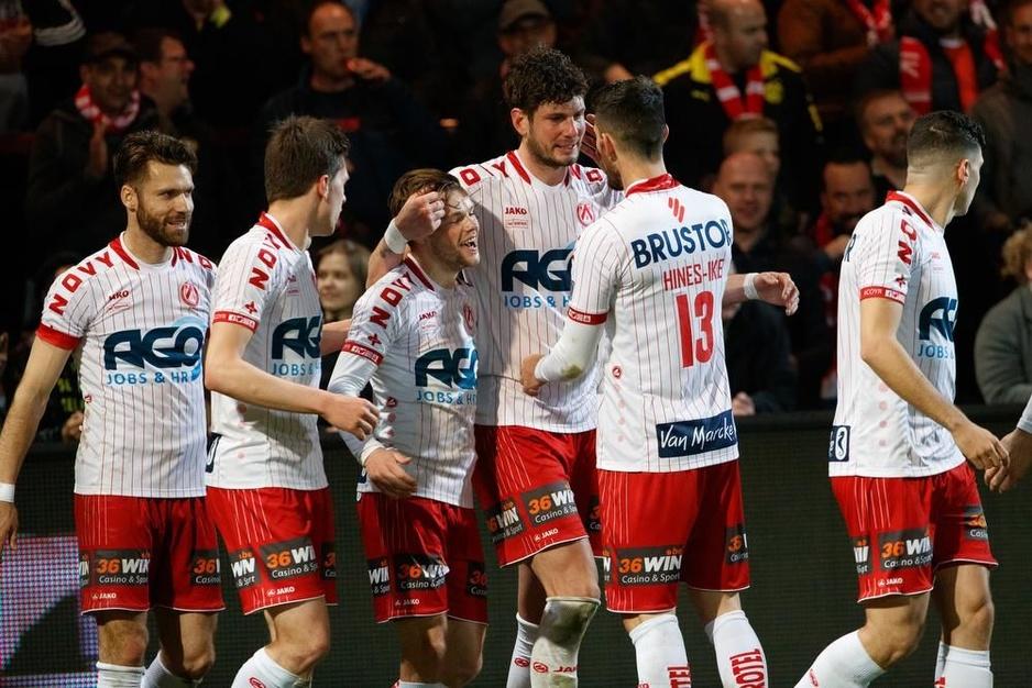IN BEELD - KV Kortrijk klopt Zulte Waregem in doelpuntenrijk burenduel