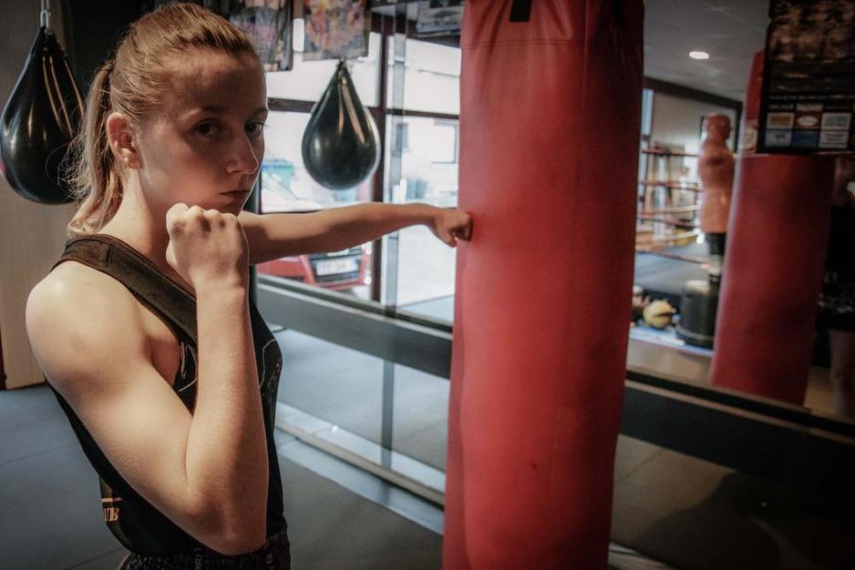 15-jarige Axana Depypere gaat in Turkije op zoek naar wereldtitel thaiboksen