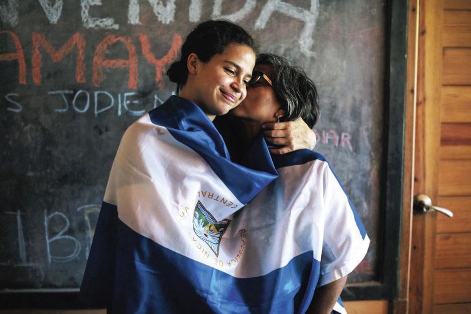 Vrijgelaten Belgisch-Nicaraguaanse activiste Amaya Coppens: 'In dit land is niemand vrij'