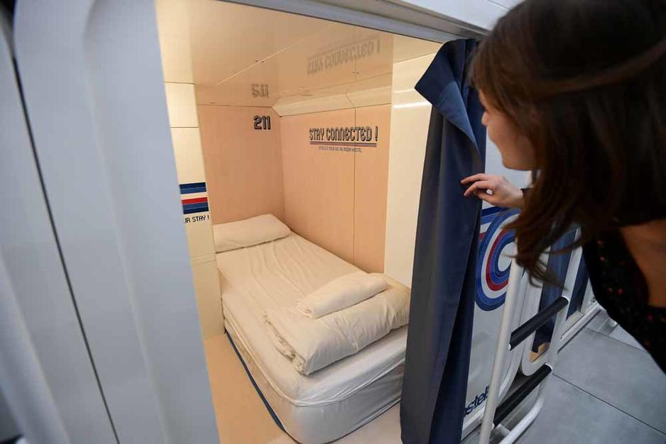 Dormir dans des capsules à Milan (en images)