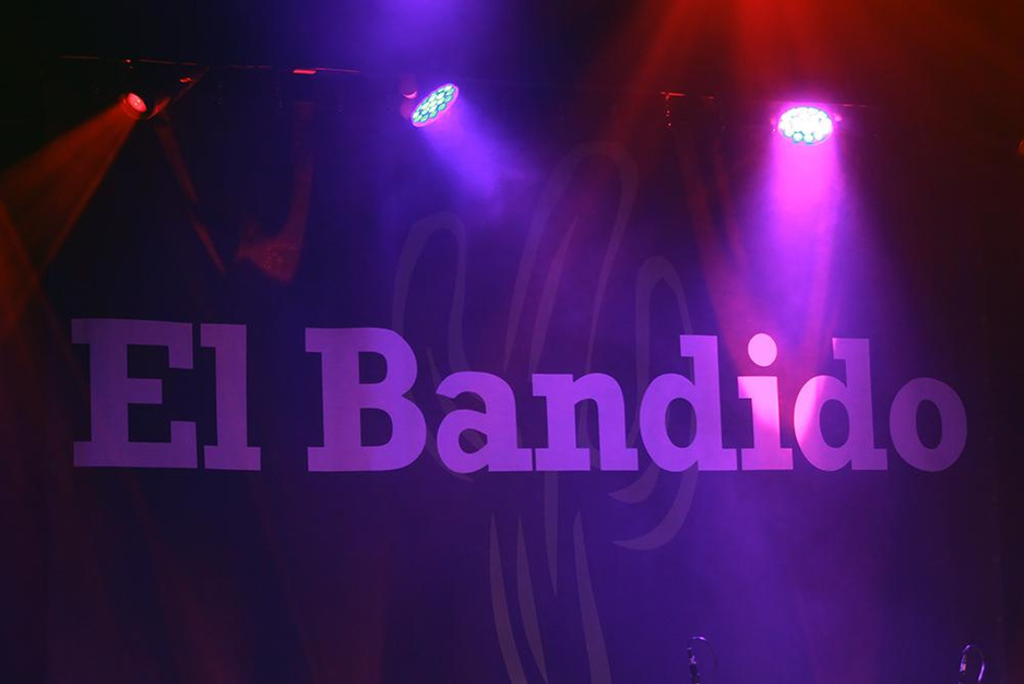 Will Tura Tribute Band El Bandido XXL trad op in Casino van Koksijde