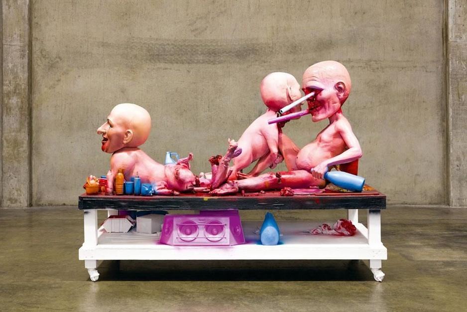 De shock art van Paul McCarthy: 'Als we geen beelden over geweld meer mogen maken, is er geen discussie mogelijk over kunst'