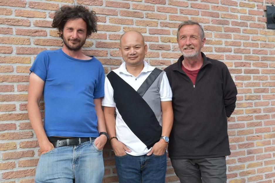 Familie Viaene ziet na 32 jaar (!) Vietnamese pleegzoon Than terug