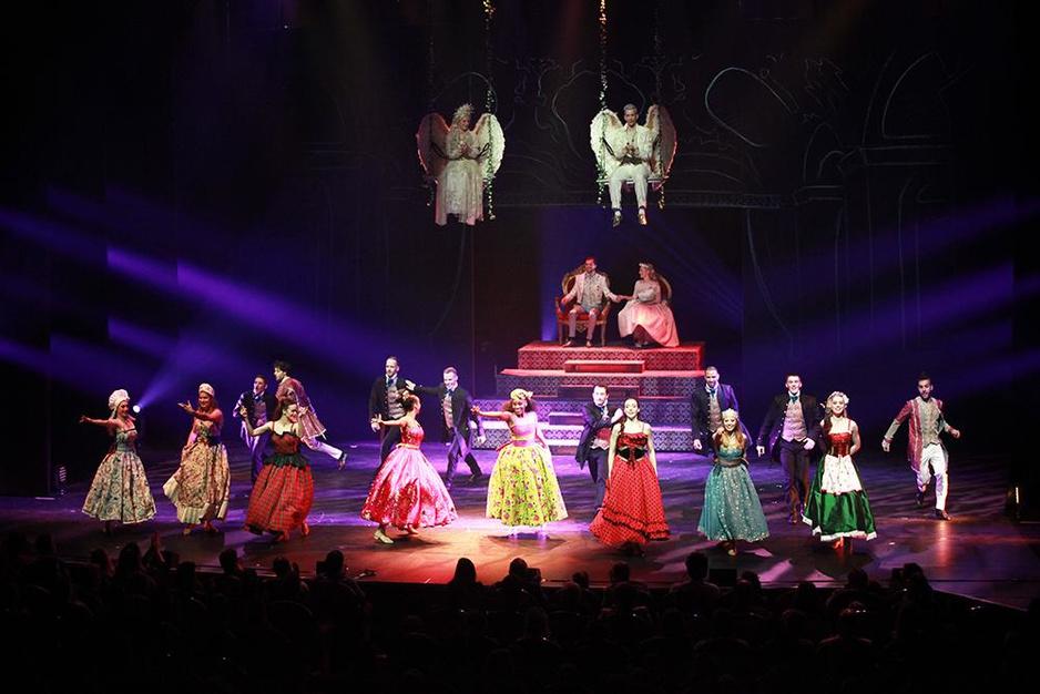 IN BEELD Bekende Vlamingen te gast op 'Cinderella' in Stadsschouwburg Antwerpen