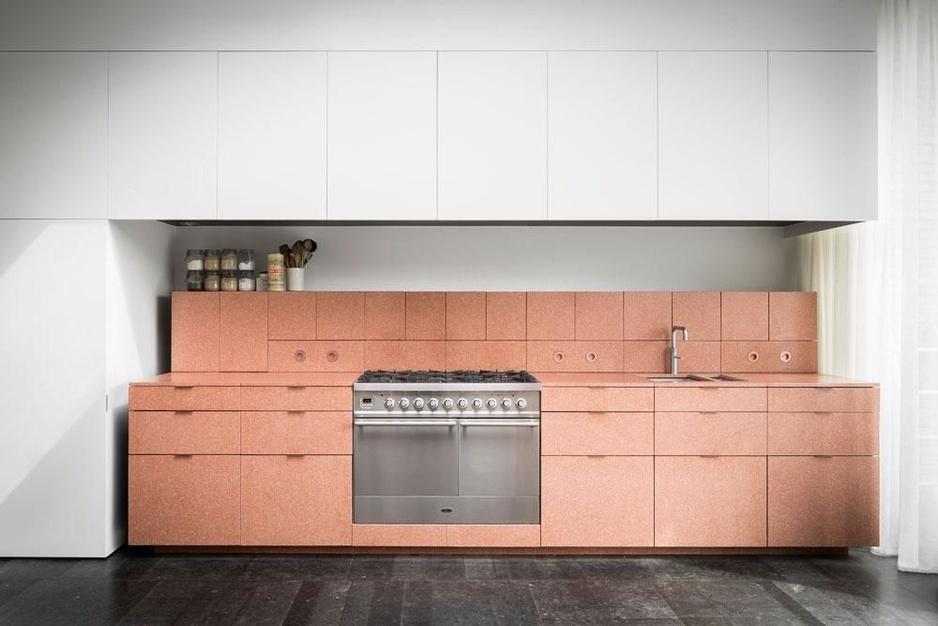 Vaarwel kookeiland: deze vier keukens geven de clichés het nakijken