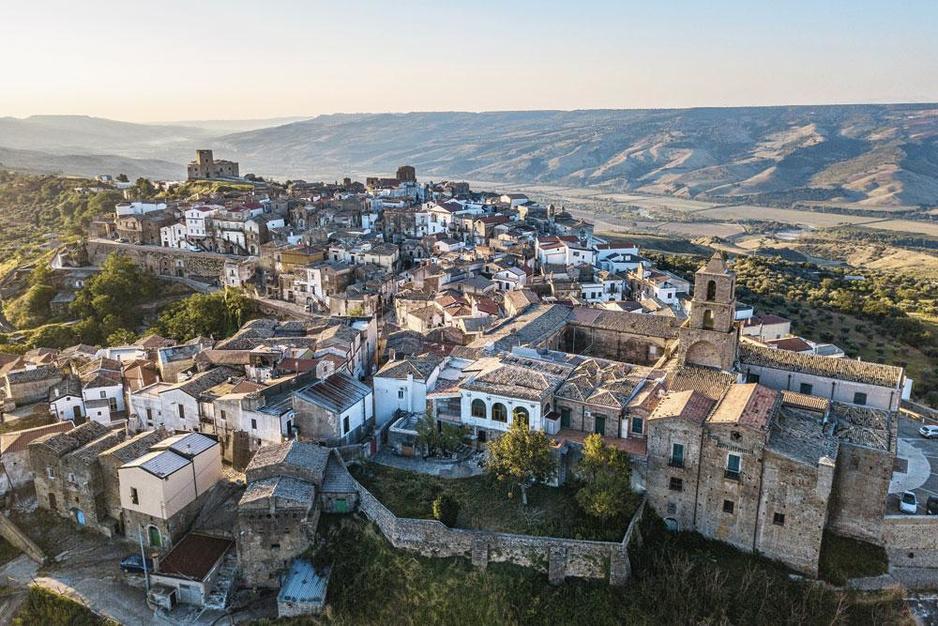 Grottole in Zuid-Italië: het dorp dat wakker werd gekust door Airbnb