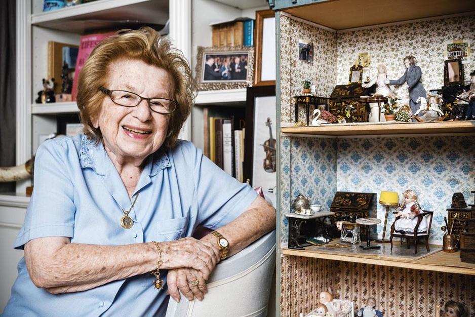 Dr. Ruth, wees van de Holocaust: 'Neem een voorbeeld aan joden: seks is geen zonde'