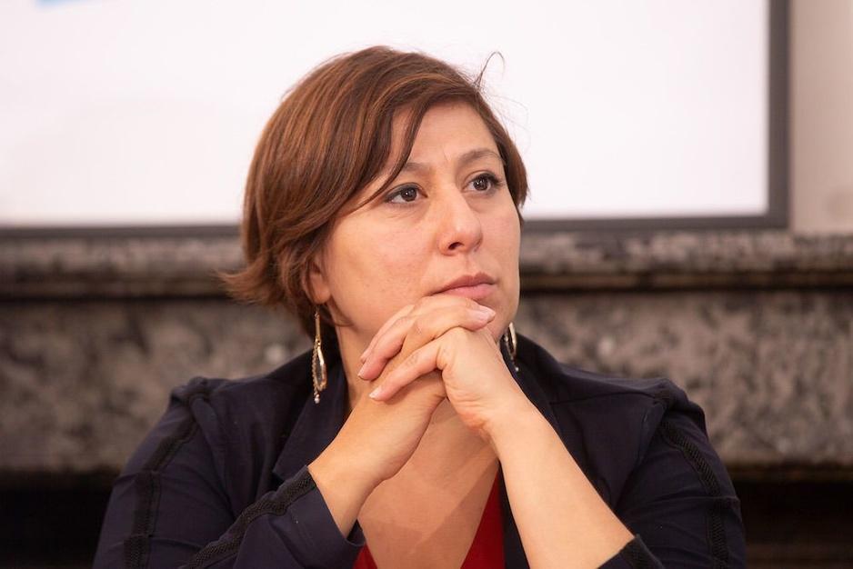 Factcheck: Nee, Meyrem Almaci is niet de enige toppolitica die geen medeleven heeft betuigd na onthoofding Franse leraar