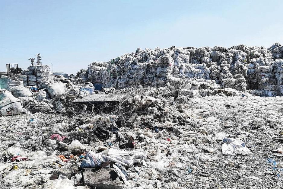 Vervuiling, uitbuiting en smokkel: België overspoelt Turkije met plastic afval