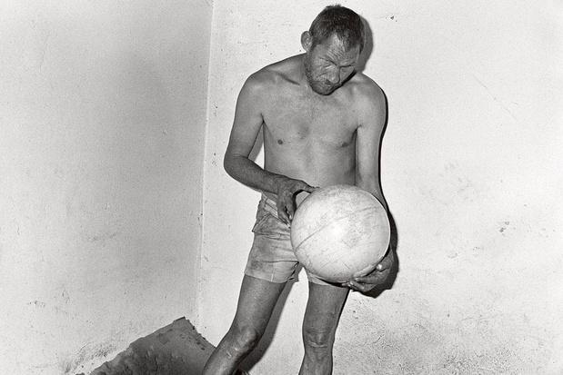 Hoe de fotograaf van Die Antwoord een platenhoes schonk aan een Antwerpse indieband