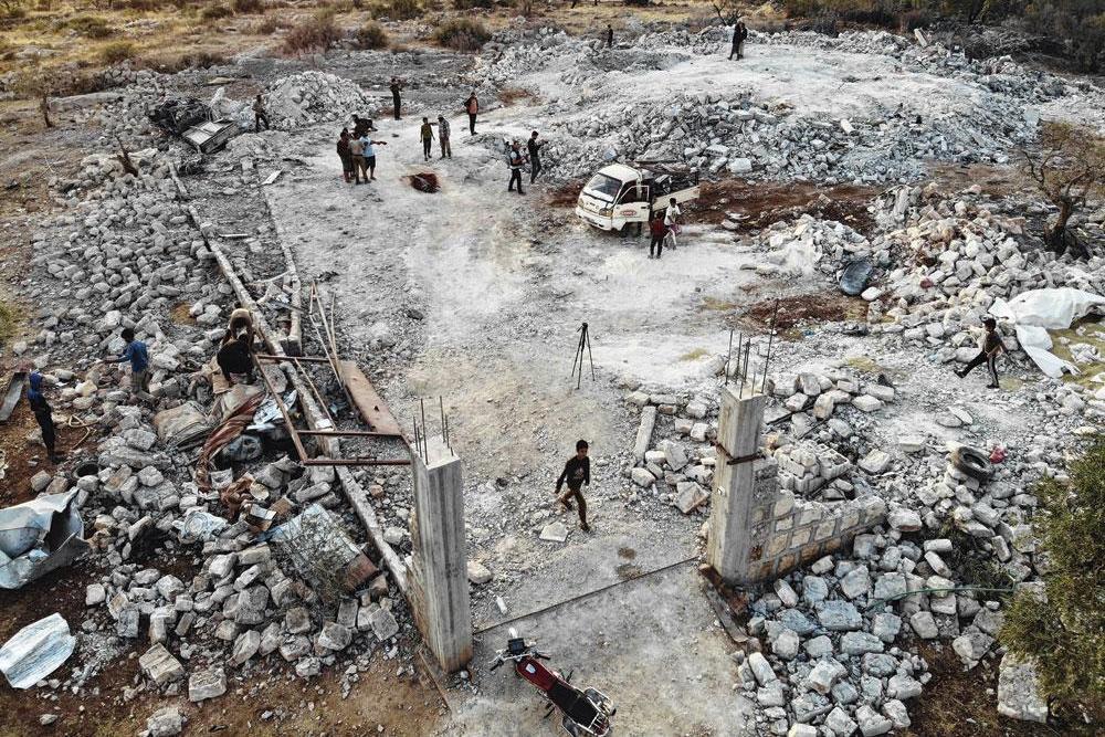 Le compound où se cachait Abou Bakr al-Baghdadi dans le village de a été rasé par un bombardement américain après l'opération., Omar HAJ KADOUR/BELGAIMAGE